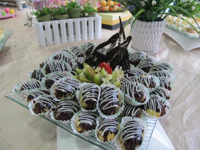 Everyone's favorite chocolate eclair in bite size